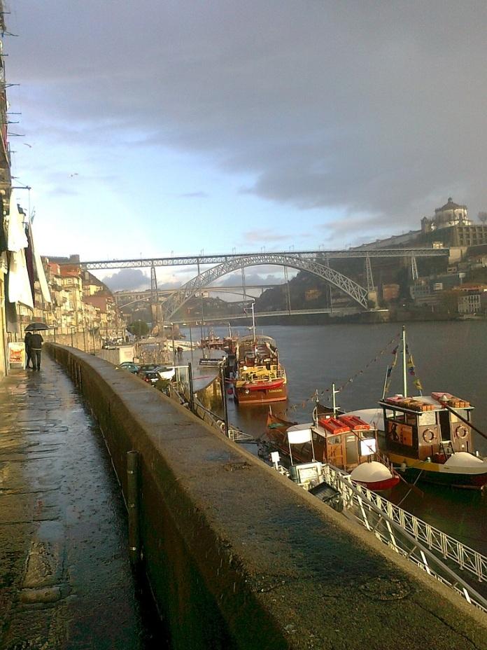widok z Porto w deszczowy dzień