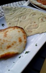 za serem pecorino płatek tradycyjnego chleba pane carasau